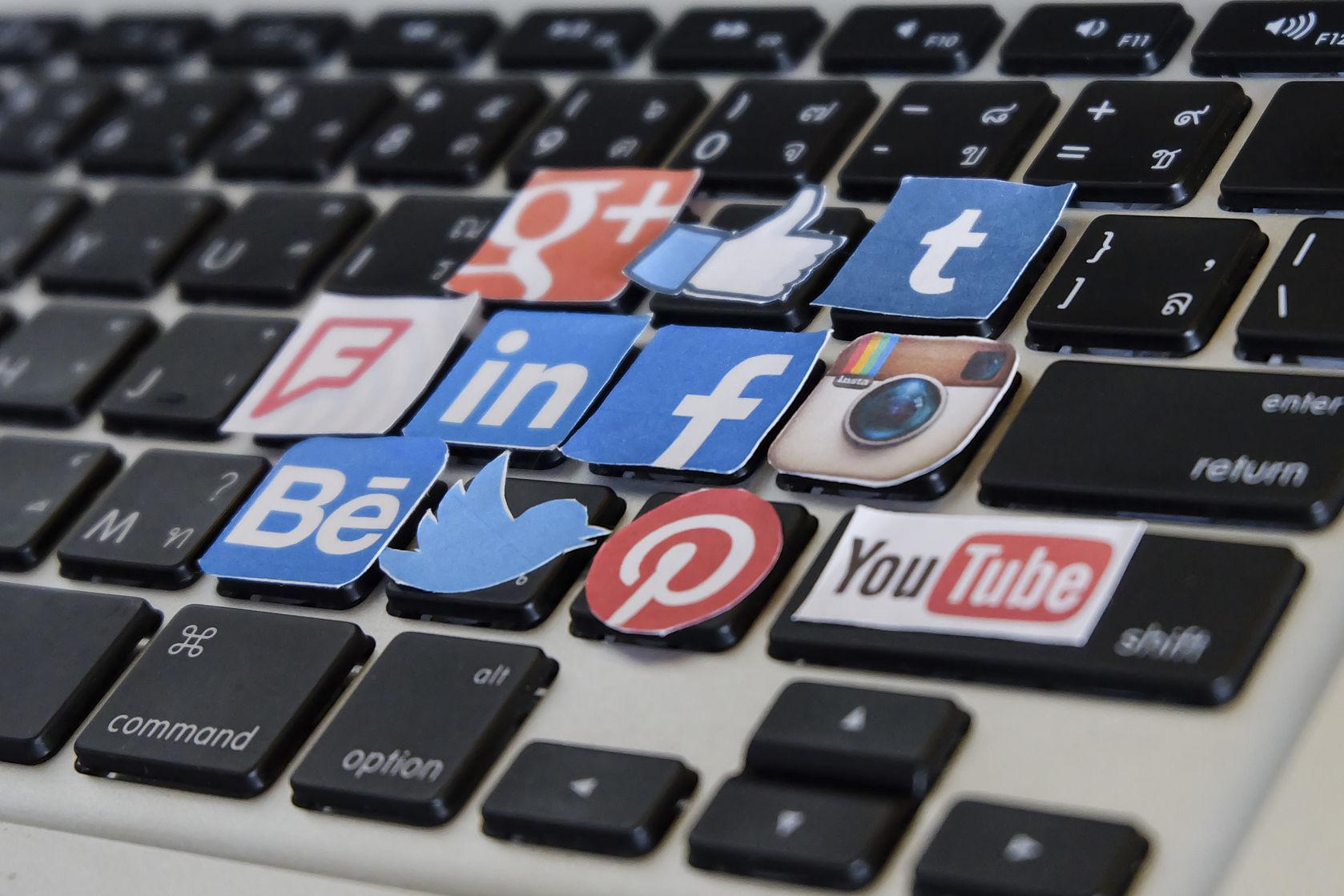 publicidad-redes-sociales-contratar-agencia