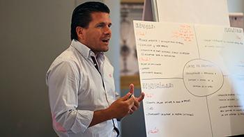 Entrevista a Enrique Moreno, director de Marketing en Quirónsalud