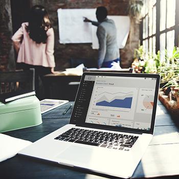 Discusión sobre datos en una empresa