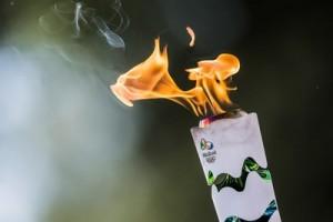 antorcha olímpica ardiendo