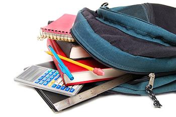 Mochila con libros y material escolar