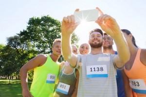 Grupo de personas haciéndose un 'selfie'