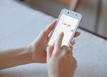Búsqueda en Google en un dispositivo móvil