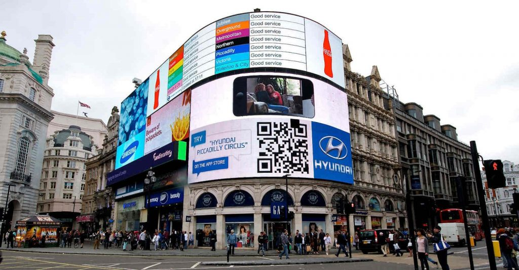 picadilly-circus-digital-signage